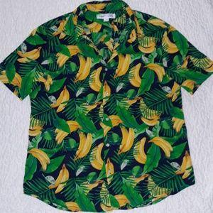 Old Navy Slim fit fun banana print buttoned shirt.